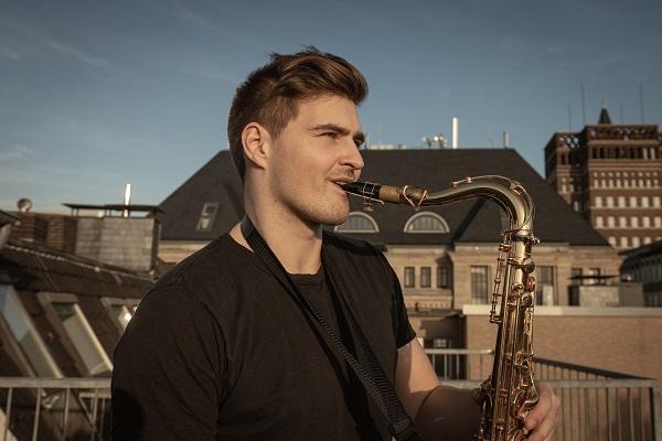 Andre Schnura (saxophone)